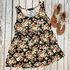 {Annabelle} Floral Empire Waist Tank Top